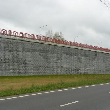 Камень для подпорной стены, фото