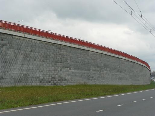 Подпорный стеновой блок, фото подпорной стенки
